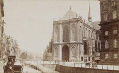 Nieuwezijds Voorburgwal 147, deel van het koninklijk paleis,  links ervan de Nie…