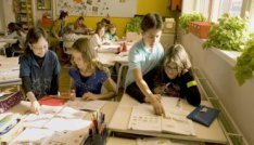 Schoolklas in basisschool De Witte Olifant, Nieuwe Uilenburgerstraat 96