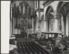Prinsengracht 279, Westerkerk, interieur met links het orgel en rechts de preeks…