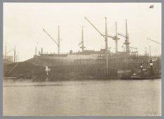 Het vrachtschip ss. Saramacca kort voor de tewaterlating