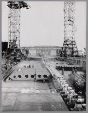 Gereed liggende bouwsecties van het vrachtschip ms. Bougainville