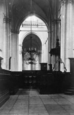 Nieuwezijds Voorburgwal 143, het schip van de Nieuwe Kerk