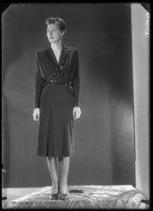 Mode 1942 bij Hirsch & Cie, Leidseplein