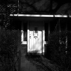Apollolaan 46, voordeur met afdakje