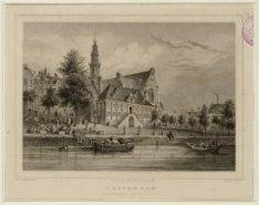 Gezicht over het water van de Keizersgracht naar Westerhal en Westerkerk