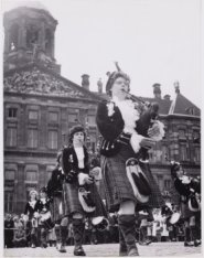 Wick-girls Pipe Band op de Dam