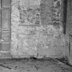 Nieuwe Doelenstraat 24, Doelen Hotel met oude bouwsporen