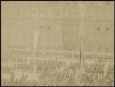 Inhuldiging van koningin Wilhelmina op 6 september 1898 om circa 11.50 uur in de…