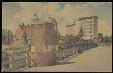 Apollolaan, Rijksverzekeringsbank met de brug over het Zuider Amstelkanaal en li…