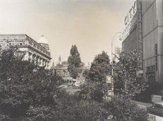 Het City theater, Kleine-Gartmanplantsoen 15-17 (rechts), gezien in westelijke r…