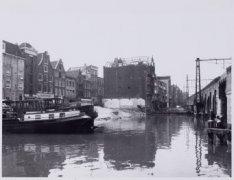 Haarlemmer Houttuinen en geheel links de zijgevel van Korte Prinsengracht 2