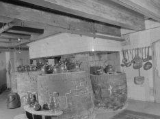 Amstel 51, Diaconie Oude Vrouwen en Mannenhuis, keuken met kookpotten