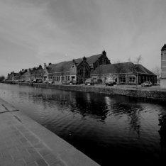 Haarlemmerweg 4 - 10, voormalige Westergasfabriek, gezien over de Haarlemmervaar…
