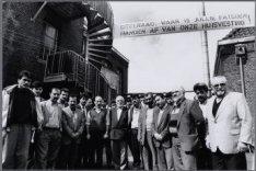 Zeeburgerdijk 131. Turken protesteren tegen de voorgenomen sloop van de moskee