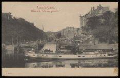 Binnen Amstel met de veerdienst uit Ouderkerk, gezien naar de Nieuwe Prinsengrac…