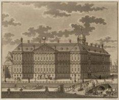 Het Koninklijk Paleis gezien over de Nieuwezijds Voorburgwal naar nummer 147, de…
