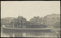 Motorveerboot IJveer VIII van lijn III in de Nieuwevaart