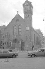 Ruysdaelstraat 39, Petrus en Pauluskerk, voor- en zijgevel met façade, toren en …