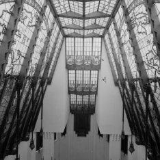 Prins Hendrikkade 108 , daklicht van het trappenhuis, glas in lood, Scheepvaarth…