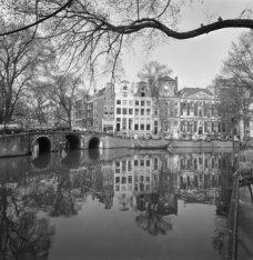 Herengracht 384 - 394 v.r.n.l. en links Leidsegracht 2 - ca. 34 v.r.n.l