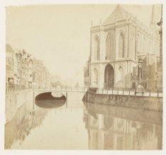 De Nieuwezijds Voorburgwal gezien in noordelijke richting naar de Donkere Sluis.…
