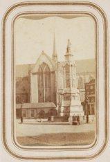 Het 'Monument ter herinnering aan den volksgeest van 1830-1831', bekroond door h…