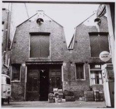 Haarlemmer Houttuinen 92d-92c, een groothandel in levensmiddelen