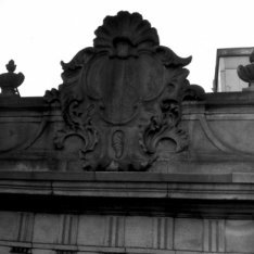 Keizersgracht 224, Huis Saxenburg, geveltop