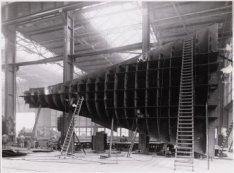 Een deel van de dubbele bodem van de tanker Naess Lion wordt gemaakt in de ketel…
