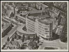 Luchtfoto van het gebouw van de Rijksverzekeringsbank, Apollolaan 15