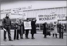 Europaplein 8. Bewoners van de Stadionbuurt protesteren bij het RAI-Congrescentr…