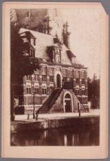 Gezicht op het voormalig Waaggebouw op de Westermarkt, de Westerhal, afgebroken …