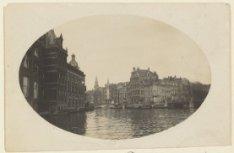 De Binnen Amstel gezien in oostelijke richting naar Kloveniersburgwal, 's-Gravel…