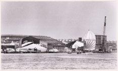 Festival of Fools op het voormalige ADM-terrein, Meeuwenlaan 60-64, mei-juni 198…