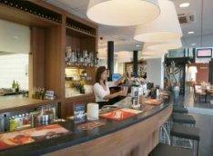 Café in Sports World, sportschool aan de Oranje Vrijstaatkade 21