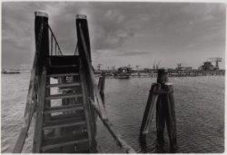 Voetbrug in de Houthaven gezien naar de NDSM-werf