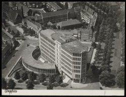 Luchtfoto 1951, Helemaal in de voorgrond de Stadionweg