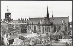 Nieuwezijds Voorburgwal 143 - 147 (ged.) v.r.n.l. met op nummer 143 de Nieuwe Ke…