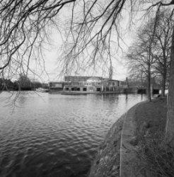 Hobbemakade 120 - 123 gezien vanaf de Ruysdaelkade