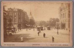 Leidseplein met paardentrams, die vanaf 1898 werden vervangen door elektrische t…