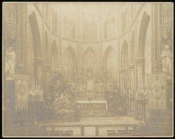 Gezicht op het hoogaltaar van de Onze Lieve Vrouwekerk, Keizersgracht 220
