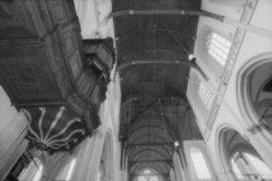 Dam 12, Nieuwe Kerk, interieur met zicht op de preekstoel en het plafond