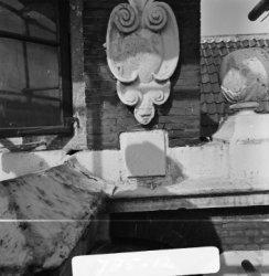 Herengracht 170-172 v.r.n.l., Huis Bartolotti, ornament aan de gevel