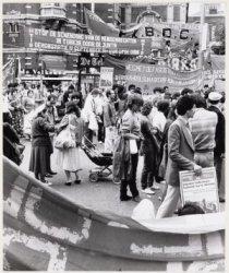 Turkse demonstratie voor de Stadsschouwburg, Leidseplein 26