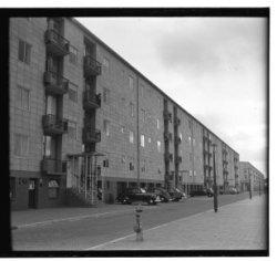 Rivierenlaan (na 1964: President Kennedylaan) woningcomplex Amstelhof