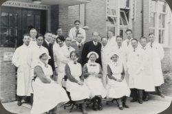 'Opening van de Kliniek voor Inwendige Ziekten 1e Paviljoen Wilhelmina Gasthuis'