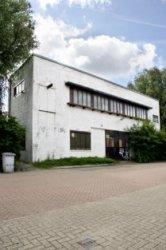 Asterdwarsweg 10, poortgebouw van het voormalige Asterdorp. Oud atelier van kuns…
