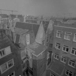Korte Prinsengracht 7-13 (ged.), achtergevels. Rechts Haarlemmer Houttuinen 63, …