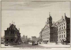 De Dam, met het Stadhuis en de Waag, te Amsterdam