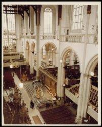 Interieur van de Nieuwe Kerk, Dam 12, vóór de Inhuldiging van koningin Beatrix